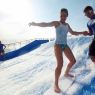 2 FlowRider surfsimulators